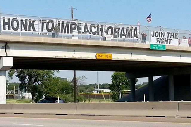Wisconsin duo sue city over anti-Obama banner ban - Washington Times